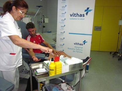 Revisión de jugadores en el Hospital Vithas Nuestra Señora de Fátima.